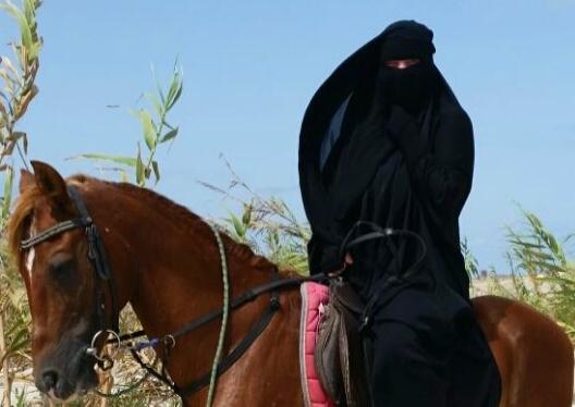 4.Interview: Bemühungen um ein islamisch freieresLeben