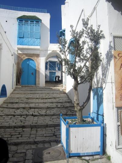 Tüpische Farbkombination in Tunesien: Weiß-Türkis